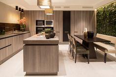 HomeDSGN — Eaton Mews North by Roselind Wilson Design