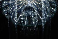 Bela-estrutura-da-luminária-com-luzes-de-LED-rendeu-à-estudante-um-prêmio-de-design-Imagem-Inhabitat.jpg (728×491)