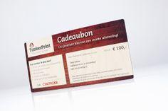 Houten cadeaubon met persoonlijke tekst voor 15:00 besteld volgende dag in huis www.timberprint.nl #fotoophout #cadeaubon