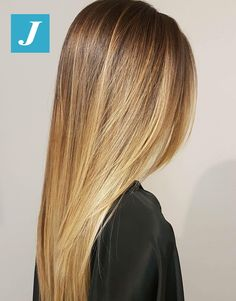Hair Inspo, Hair Inspiration, Langer Bob, Honey Blonde Hair, Joelle, Hair Color And Cut, Hair Color Highlights, Light Brown Hair, Hair Transformation