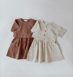 Little Girl Outfits, Dresses Kids Girl, Cute Girl Outfits, Toddler Fashion, Kids Fashion, Dress Anak, Baby Girl Dress Patterns, Clothing Photography, Neutral Outfit