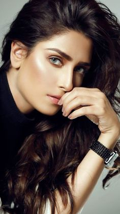 Cute Girl Pic, Stylish Girl Pic, Beautiful Celebrities, Beautiful Actresses, Beautiful Models, Beautiful Women, Pakistani Actress, Bollywood Actress, Mahira Khan Pics