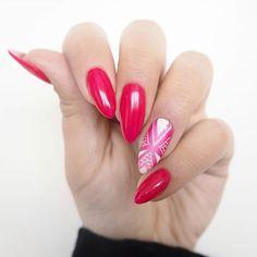 Melduję, że wiosna przyszła  To oznacza, że na paznokciach ukochany ponad wszystko Elegant Raspberry + ombre i wzorek stylografem ♥ Podobają się? #semilover #semilac #newnails #patamaluje #paznokcie #hybrydy #hybrid #geometricnails #pattern #ombre #stylograf #handmade #diy #nails #nägel #claws #semigirl #elegantraspberry #springnails #manicure #uv #led