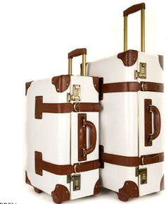 i would love a luggage set like this. nothing says adventure better than a good luggage set!