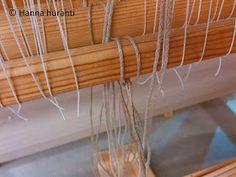 Hanna hurahti: Loimen laitto kangaspuihin