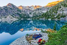 25 Beautiful Lakeside Campsites + a Rumpl blanket - gorumpl.com -