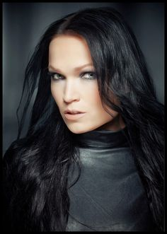 ELESSANDRO ALTERNATIVO: TARJA TURUNEN BRASIL COLOURS IN THE DARK