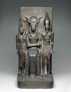 King Menkaura, the goddess Hathor, Egyptian, 2490–2472 B.C., Boston Museum of Fine Art.