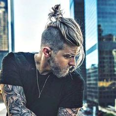 The best collection for you to find some awesome Top Knot ideas. we have some attractive and cool top knot collection for you. Top Hairstyles For Men, Wedge Hairstyles, Funky Hairstyles, Feathered Hairstyles, Hairstyles Haircuts, Haircuts For Men, Wedding Hairstyles, Bouffant Hairstyles, Updos Hairstyle