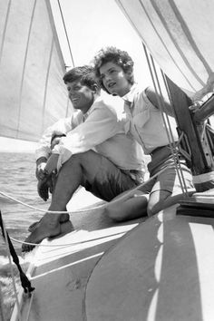 20 vintage beach babes who set the standard for sailing style.