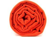 L'écharpe orange brique, un couleur lumineuse, chic et dynamique.Orange pashmina wool shawl, scarf, stole.