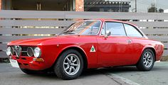 Alfa Romeo 2000 GT Veloce, Rosso Alfa on Black