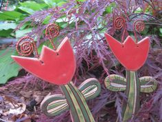 """zápich+""""tulipán""""+Zápich+nebo+také+kypřítko+""""tulipán"""".+Délka+is+částí+pro+zapíchnutí+je+30cm.+Tulipán+lze+zapíchnout+do+květináče+k+pokojové+rostlině,+do+truhlíku+nebo+do+zahrádky.+Všude+mu+to+moc+sluší:-)+"""