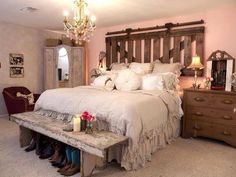 luv the headboard. luv the bench