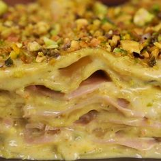 Pistachio and mortadella lasagna with provola - For all pistachio lovers we have prepared a delicious pastry: Lasagna with pistachio and mortadella - Baked Chicken Recipes, Pasta Recipes, Cooking Recipes, Cucumber Recipes, Lunch Recipes, Dinner Recipes Easy Quick, Casserole Recipes, Food Videos, Italian Recipes