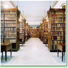 De bibliotheek: Bibliotecha de la Real Academia De La Lengua, Madrid.