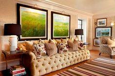 Canapé de design original entièrement capitonné