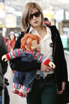 Choi Ren Nu'est with Chucky Doll [131201] Incheon Airport staREN
