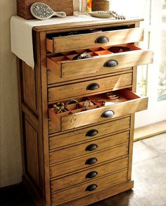 Holland-days: not just a delicious sauce — Ikea Hax: jewelry armoire Jewelry Dresser, Jewelry Chest, Jewelry Storage Solutions, Jewellery Storage, Jewellery Box, Dresser Organization, Jewelry Organization, Armoire Makeover, Home And Deco