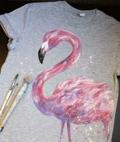 Clothing and bags with prints- Одежда и сумки с принтами Clothing and bags with prints - Painted Jeans, Painted Clothes, T Shirt Painting, Fabric Painting, T Shirt Yarn, T Shirt Diy, Paint Shirts, Fabric Paint Shirt, Shirt Drawing