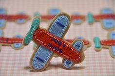 Set of 6pcs handmade felt airplane--pecan glow/devil red (FT265)