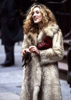 Carrie Bradshaw and her famous fur coat.:::: Ten things to never say to a fashion girl