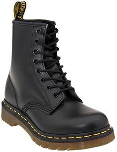 Dr Martens black leather boots. Mustat nahkabootsit talvikengiksi, martenssit ois kyllä aika siistit