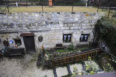 Barlanglakások és kastélyok dél-budán Old Pictures, Historical Photos, Hungary, Budapest, Historical Pictures, Antique Photos, Old Photos, History Photos