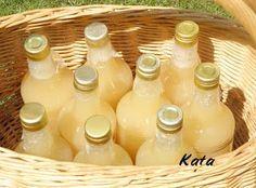 KataKonyha: Alma ivólé Pickling Cucumbers, Mom Jewelry, Hungarian Recipes, Food Crafts, Winter Food, Milkshake, No Bake Cake, Food Storage, Spices