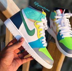 Jordan Shoes Girls, Girls Shoes, Cute Sneakers, Shoes Sneakers, Sneaker Heels, Shoes Sandals, Nike Air Shoes, Fresh Shoes, Hype Shoes