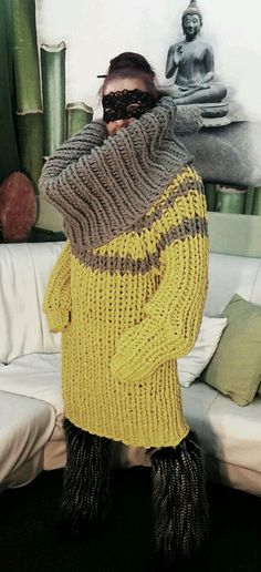 Chunky Knitwear, Cowl Neck Dress, Sweater Outfits, Winter Hats, Crochet Patterns, Turtle Neck, Wool, Knitting, Stylish