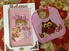 Presente para Helena.Quadro porta maternidade e babador.muzelimaraci@yahoo.com.br