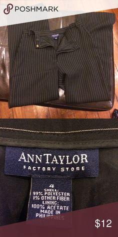 🦋Ann Taylor size 4 dress pants Ann Taylor size 4 black and white striped dress pants Smoke free home dog mom Ann Taylor Pants