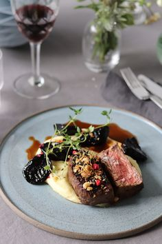 Steak Plates, Good Food, Yummy Food, Aesthetic Food, Food Plating, Fine Dining, Food Inspiration, Glutenfree, Catering