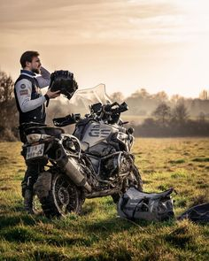 Motorcycle Camping, Motorcycle Style, 1200 Gs Adventure, Adventure Travel, Chopper Bike, Touring Bike, Sportbikes, Street Bikes, Bike Life