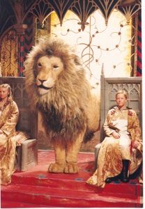 Susan, Aslan, and Edmund from C. Lewis stories of Narnia - The Lion, the Witch, and The Wardrobe (BBC Narnia Lion, Aslan Narnia, Science Fiction, Chronicles Of Narnia Books, Mystery, Talking Animals, Romance, Cs Lewis, Classic Literature