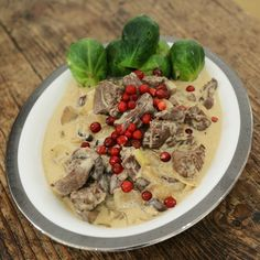 Viltgryte med reinsdyr Hummus, Oatmeal, Breakfast, Ethnic Recipes, Food, The Oatmeal, Morning Coffee, Meals, Yemek