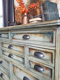 DIY Grungy Green Painting Technique – Brushed by Brandy Chalk Paint Furniture Painting Tutorials - ectliq. Distressed Furniture Painting, Chalk Paint Furniture, Whitewash Furniture, Reclaimed Furniture, Furniture Refinishing, Diy Dresser Makeover, Furniture Makeover, Dresser Ideas, Diy Dressers