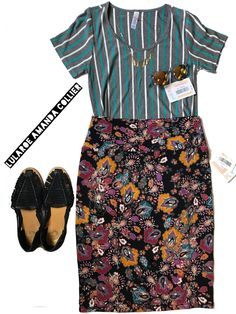 One of my favorite pattern mixing creations of all time! Love this look to the ends of the earth. LuLaRoe Classic T + LuLaRoe Cassie   #lularoe #lularoeclassictee #lularoecassie #lularoepatternmixing #patternmixing #flatlayphotography #fashionflatlay #mixandmatch #lularoeunicorn #lularoestyle #likeaboss #patternmixinglikeaboss