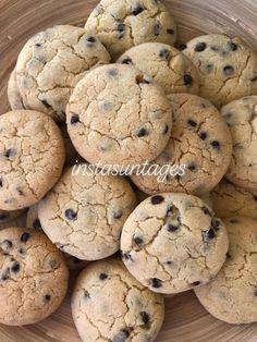 Cookies! Τα κλασικά κι αγαπημένα μπισκότα σε μια απίστευτα εύκολη συνταγή Biscotti, Cookie Recipes, Cookies, Sweets, Desserts, Food, Gastronomia, Sweet Pastries, Tailgate Desserts
