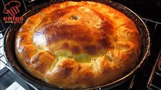 Bu BÖREĞİN💖 KOLAYLIĞINA💜 ÇITIRLIĞINA💛 Ve LEZZETİNE 💚HAYRAN🧡 Kalmamak Mümkün Değil👌EL AÇMASI BÖREK😉 - YouTube Good Food, Yummy Food, Turkish Recipes, Saveur, Quiche, Bread, Baking, Desserts, Fun Recipes