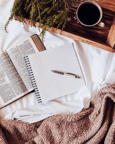 How to start journaling - A complete guide for beginners to starting a journal habit with tips and tricks, journal prompts, and the benefits of journaling.. Snuggle In Bed, Pen And Paper, Journal Prompts, Stress And Anxiety, Home Decor Inspiration, Diy Fashion, Lifestyle Blog, Diy And Crafts, I Am Awesome