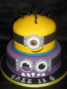 Minion cake x