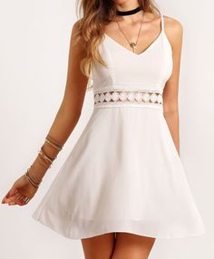 Spaghettiträger Kleid mit Spitzeneinsatz und V-Ausschnitt -weiß- German SheIn(Sheinside) Lace Dress With Sleeves, Lace Dresses, Pretty Dresses, Casual Dresses, Short Sleeve Dresses, Dress Lace, Sleeveless Dresses, Summer Dresses, Formal Dresses