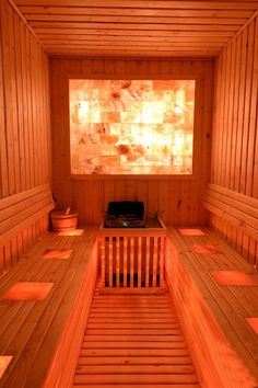 Himalaya Salzblöcke in der Sauna Sauna Steam Room, Sauna Room, Saunas, Spa Interior, Interior Design, Himalayan Salt Room, Sauna Design, Spa Rooms, Infrared Sauna