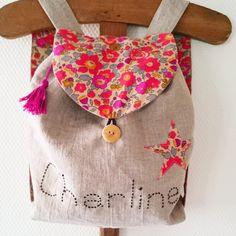 Petit sac à dos enfant en lin et liberty Betsy Fluo Thé personnalisable