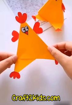 Free Printable Paper Chicken Craft for Kids Easy Mother's Day Crafts, Summer Crafts For Kids, Paper Crafts For Kids, Mothers Day Crafts, Projects For Kids, Art For Kids, Fun Activities For Kids, Craft Activities, Preschool Crafts