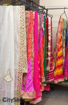 Dupptas by Arainafabs mount Punjabi Salwar Suits, Pakistani Dresses, Indian Dresses, Indian Outfits, Lux Fashion, Ethnic Fashion, Indian Fashion, Mehndi Outfit, Mehndi Dress