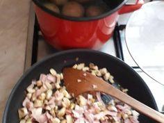 Baconbe tekert töltött gomba recept lépés 2 foto Oatmeal, Bacon, Breakfast, Food, The Oatmeal, Morning Coffee, Rolled Oats, Essen, Meals