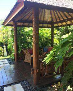 Balinese garden design by Melisa Dixon balinais Bali Garden, Balinese Garden, Balinese Decor, Tropical Backyard Landscaping, Tropical Garden Design, Landscaping Ideas, Backyard Plants, Tropical Gardens, Backyard Patio